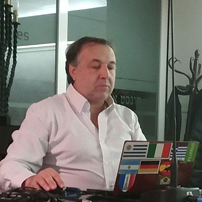 https://www.facebook.com/daniel.pereyra.5876